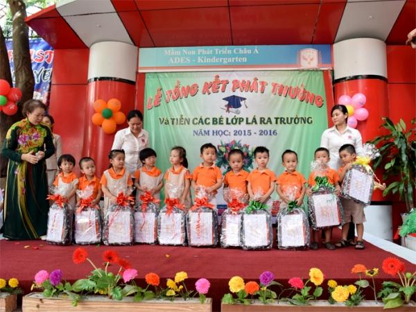 Phần thưởng các bé lớp mầm 3 tuổi