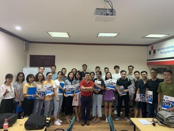 Học viên nhận chứng Business analysis Hà Nội